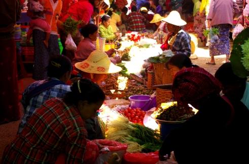 Nyangshwe, Myanmar. © Karen Edwards